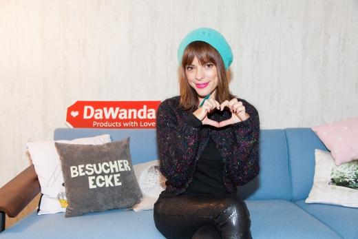 Sängerin Lenka zeigt auf DaWanda ihre Lieblingsstücke