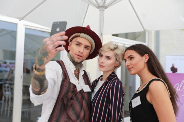 <p>FashionBloggerCafé ULTRA VIOLET<br /></p> Copyright: fotocruz.de für styleranking
